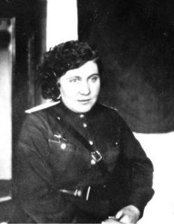Заместитель главного врача по медецинской части Веселова М.В. после возвращения с фронта.