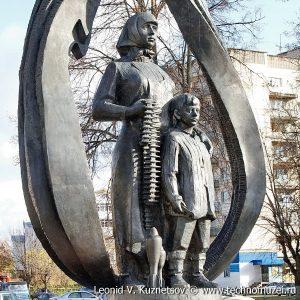 Памятники в Костроме